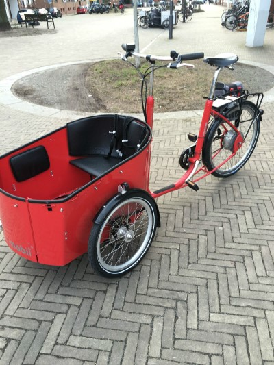 Transportrad Bakfiets Hundetransporter Kindertransporter Lastenrad mit Motor Bremen