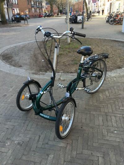 Dreirad fuer Erwachsene Pedelec Viktoria von Van Raam mit Heinzmann Motor Bremen