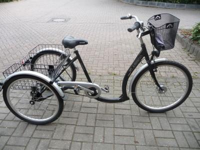Dreirad neuwertig von Tchibo ca 1 Km gefahren 7 Gaenge vorn26 hinten 24 Zo Toenisvorst