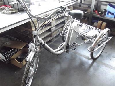 elektro dreirad fuer erwachsene erwachsenen fahrrad. Black Bedroom Furniture Sets. Home Design Ideas