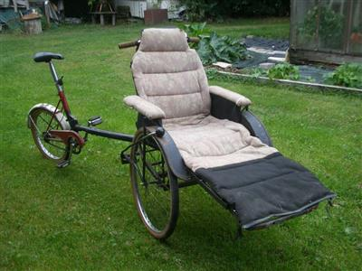 rikscha rikshaw krankenfahrstuhl dreirad personentransport knieoperation Walpertskirchen