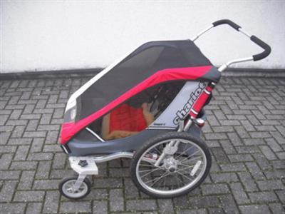 TOP Sehr gut erhalten Kinderfahrradanhaenger Chariot Cougar 2 Fuer 2 Kinder PLZ 47918