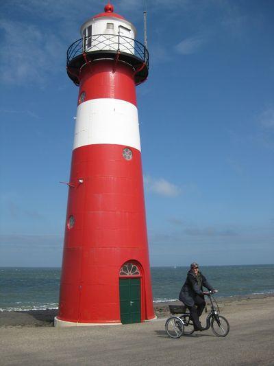 Holland2011_207_900x1200